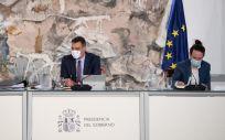 Pedro Sánchez, presidente del Gobierno, junto a Carmen Calvo y Pablo Iglesias (Foto: Pool Moncloa / Borja Puig de la Bellacasa)