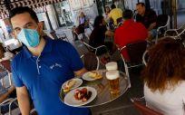 Clientes en las terrazas de los bares de la Plaza de las Flores en la capital de Murcia   Edu Botella   Europa Press