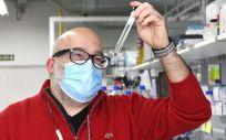 Eugenio Vázquez, investigador del grupo de química biológica del CiQUS de la USC (Foto. USC)