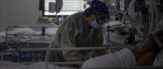 Unidad de Cuidados Intensivos (UCI) dedicada a enfermos de coronavirus del Hospital Universitario Ramón y Cajal (Foto. Eduardo Parra   Europa Press)