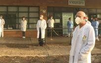 Protesta de médicos a las puertas del centro de salud Manuel Encinas de Cáceres. (Foto. Europa Press