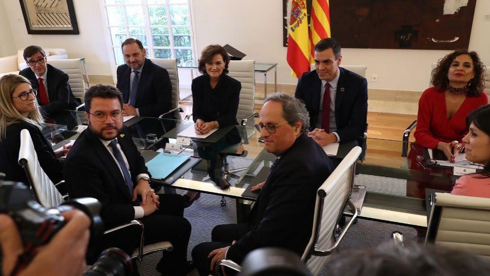 Instante de la Mesa de Diálogo entre el Gobierno de España y la Generalitat de Cataluña celebrada en febrero (Foto: Pool Moncloa / Borja Puig de la Bellacasa)