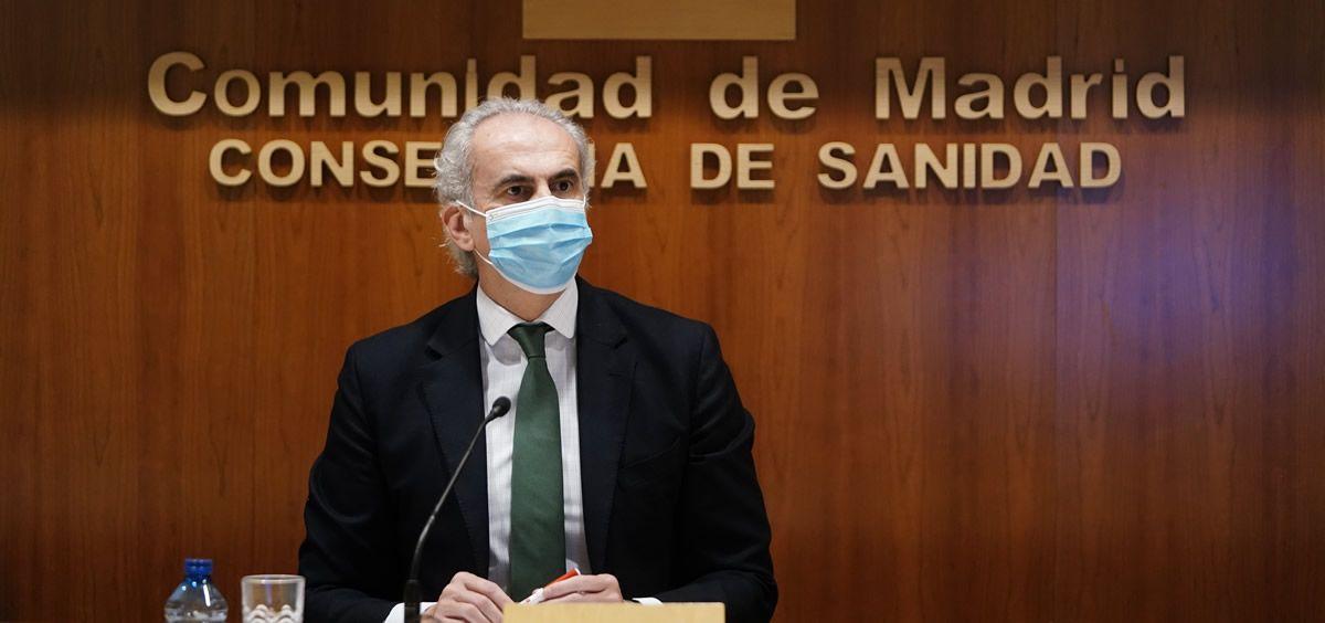 El consejero de Sanidad, Enrique Ruiz Escudero, durante su intervención en rueda de prensa (Foto: Comunidad de Madrid)