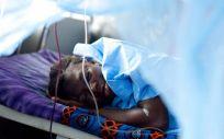 Los mosquiteros tratados con insecticida son una de las herramientas más eficaces contra la malaria. (Foto.  UNICEF OLIVIER ASSELIN)
