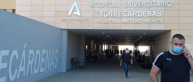 Entrada al Hospital Universitario Torrecárdenas de Almería (Foto. EP)