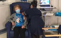 Margaret Keenan, primera paciente en recibir la vacuna frente a la Covid 19 (Foto. NHS)