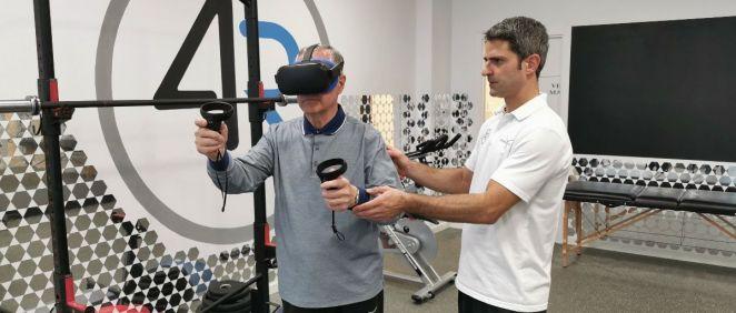 Imagen de un paciente utilizando Virtual Fisio.