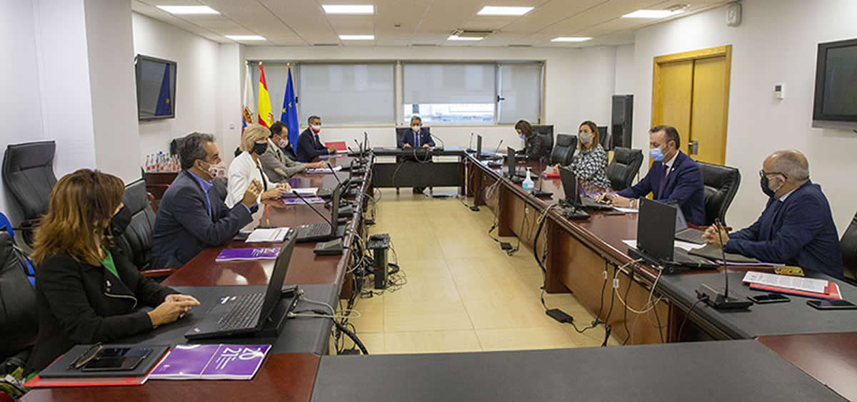 Miguel Ángel Revilla acompañado del equipo de Gobierno en la reunión del Consejo (Foto. Miguel López)