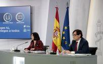 Carolina Darias y Salvador Illa, en rueda de prensa (Foto: Pool Moncloa / José María Cuadrado)