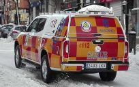 Un vehículo de Samur-PC recorre las calles de la capital tras el paso de la Borrasca Filomena (Foto: Emergencias Madrid)