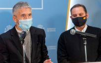 Los ministros del Interior, Fernando Grande Marlaska, y de Transportes, Movilidad y Agenda Urbana, José Luis Ábalos (Foto: Pool Moncloa)