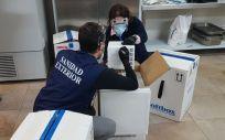 Personal de Sanidad Exterior durante la llegada de vacunas Covid-19 a España (Foto: @sanidadgob)
