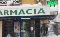 Imagen de una farmacia madrileña durante la borrasca 'Filomena' (Foto: @COFMadrid)