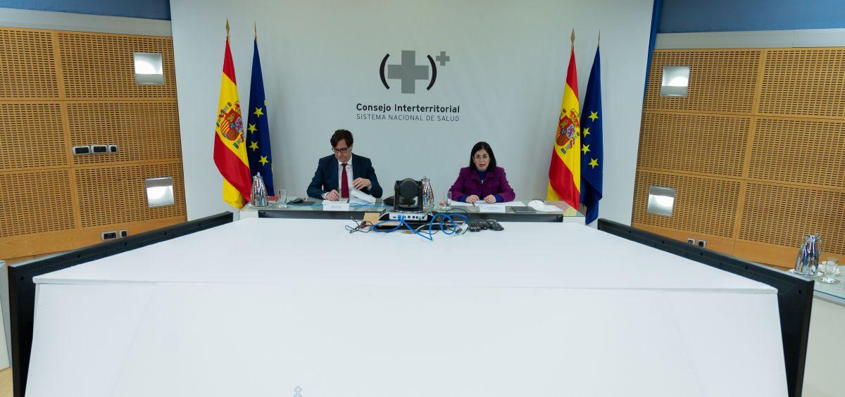 El ministro de Sanidad, Salvador Illa, y la ministra de Política Territorial y Función Pública, Carolina Darias en el CISNS (Foto. Pool Moncloa  Borja Puig de la Bellacasa)
