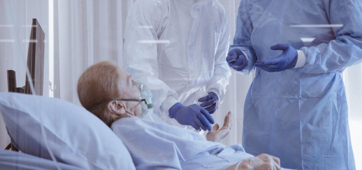 Paciente covid ingresado en un centro sanitario. (Foto. CHAYAKORN LOTONGKUM   Archivo EP)