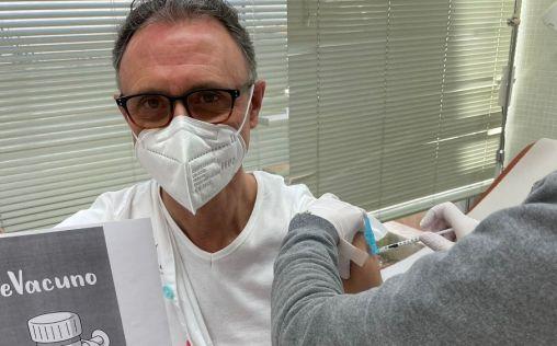 #YoMeVacuno: Los sanitarios dan ejemplo y divulgan la necesidad de vacunarse de la Covid-19