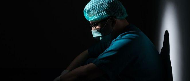 Profesional sanitario con mascarilla. (Foto. Unsplash)