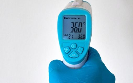 El fracaso de los escáneres de temperatura para detectar Covid-19 en los aeropuertos