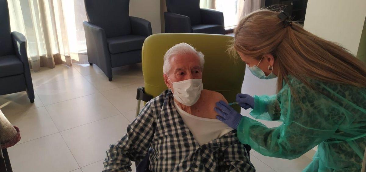 Segunda fase de la vacunación contra el coronavirus en una residencia de ancianos (Foto. Junta)