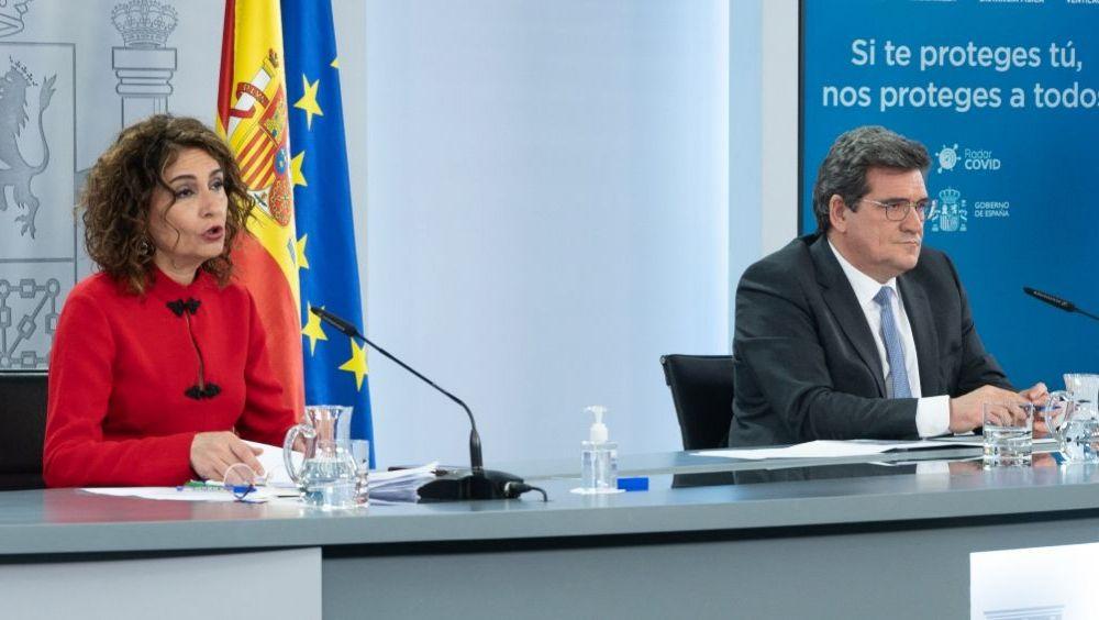 María Jesús Montero y José Luis Escrivá (Foto: Pool Moncloa/Borja Puig de la Bellacasa)