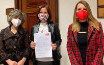 Las diputadas del PSOE Luisa Carcedo, Luz Martínez Seijo y Sònia Guerra (Foto: PSOE)