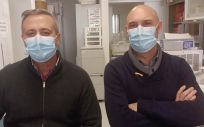 Salvador Resino e Isidoro Álvarez, científicos del Centro Nacional de Microbiología del ISCIII (Foto. ISCIII)