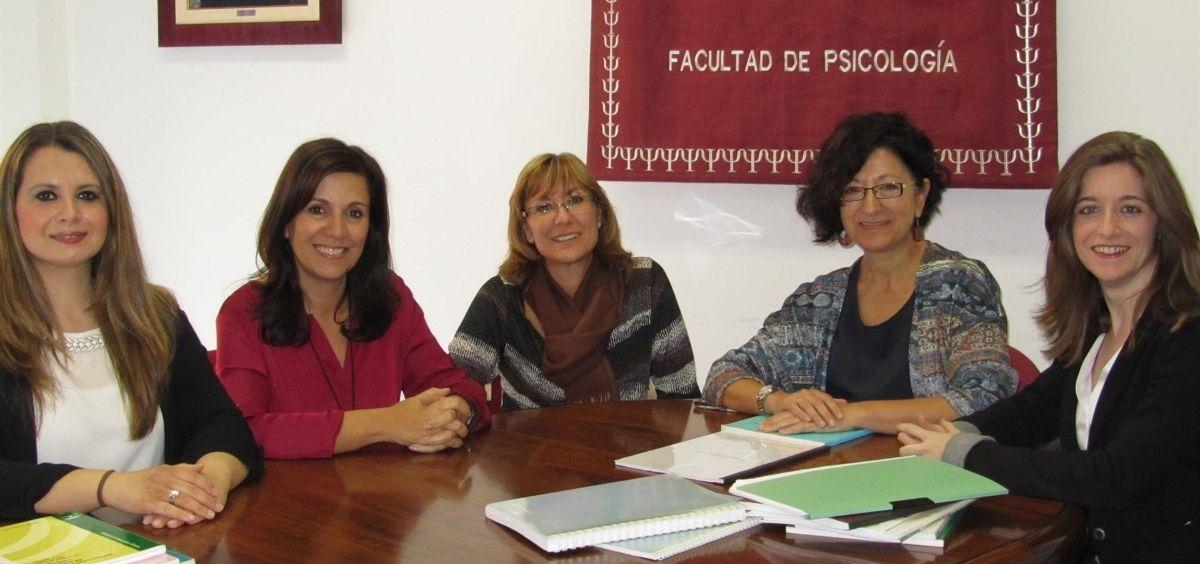 Grupo de investigadoras que han analizado los efectos del COVID en personas con dolor crónico (Foto. Universidad de Málaga)