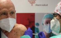 Vacuna primera dosis mayores de 90 (Foto. Hospital de Vinalopó)