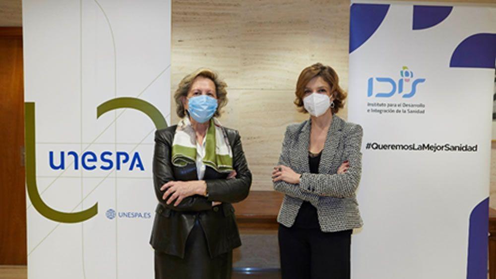 Pilar González de Frutos, presidenta de UNESPA y Marta Villanueva, directora general de la Fundación IDIS