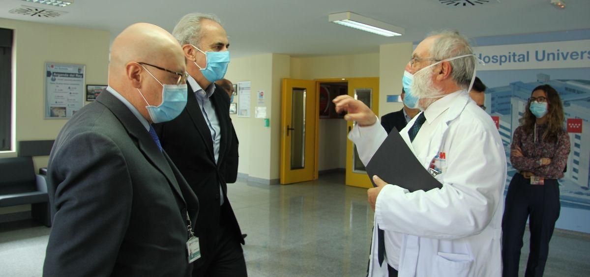 El consejero de Sanidad de Madrid, Enrique Ruiz Escudero, en el Hospital Sureste (Foto. @SaludMadrid)