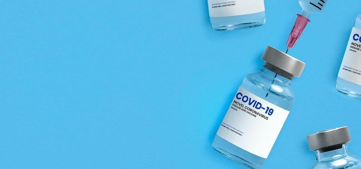 Vial de una vacuna contra la Covid 19. (Foto. Rawpixel)