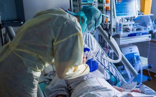 El 60% de los pacientes hospitalizados por COVID-19 desarrollan sintomatología neurológica
