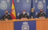 Agentes de la Policía Nacional presentando los datos de denuncias por agresiones a sanitarios (Foto: Policía Nacional)