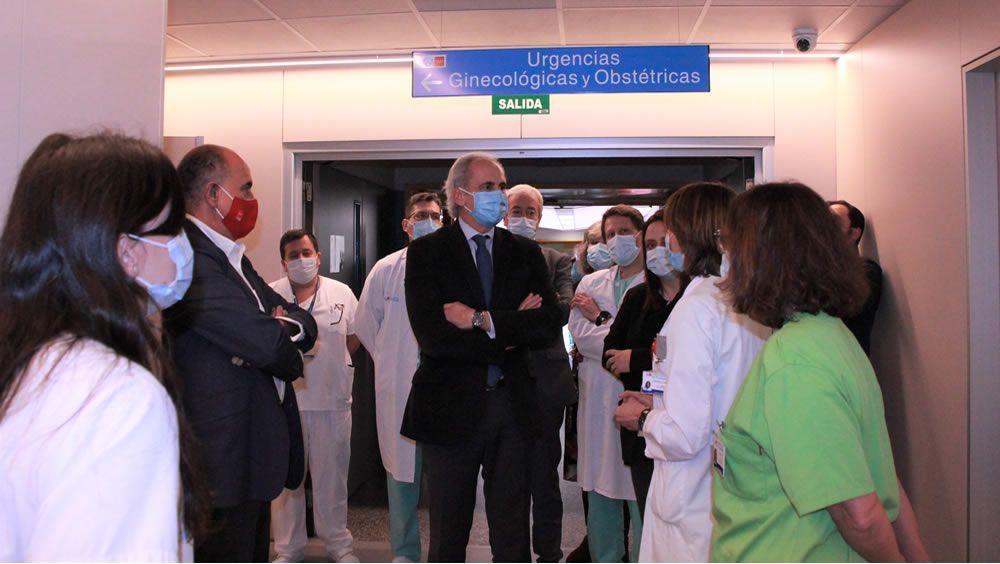 Enrique Ruiz Escudero visita el Hospital de Fuenlabrada