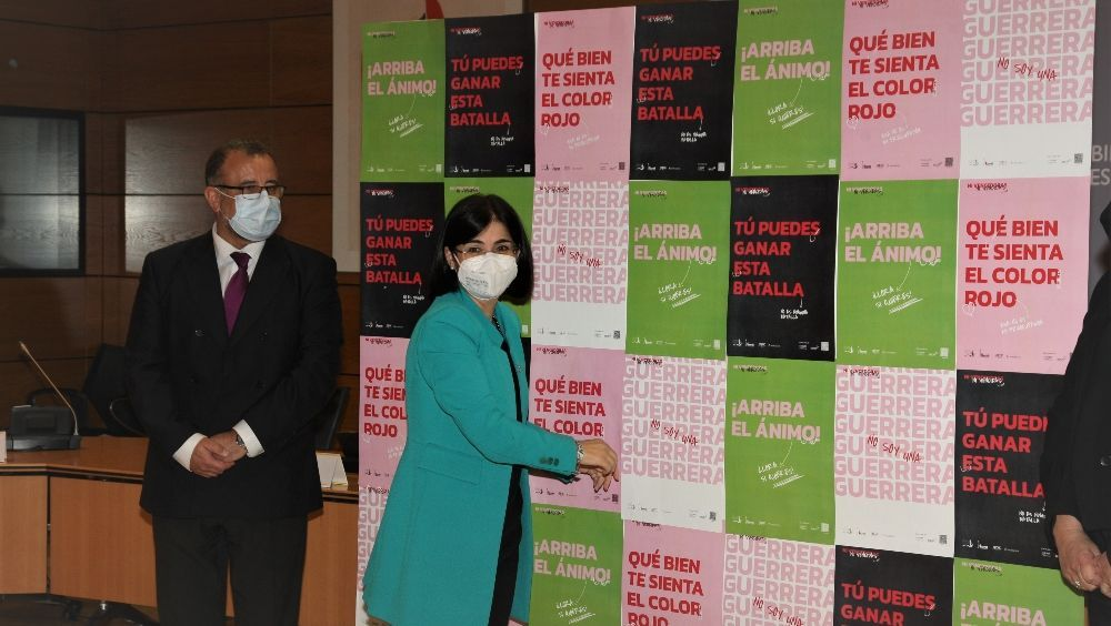 Darias muestra su apoyo a las mujeres con cáncer de mama