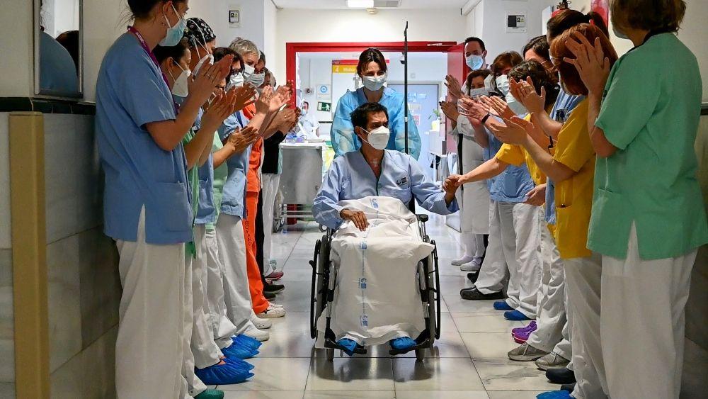 Abandona el Marañón el paciente 5.000 ingresado por Covid