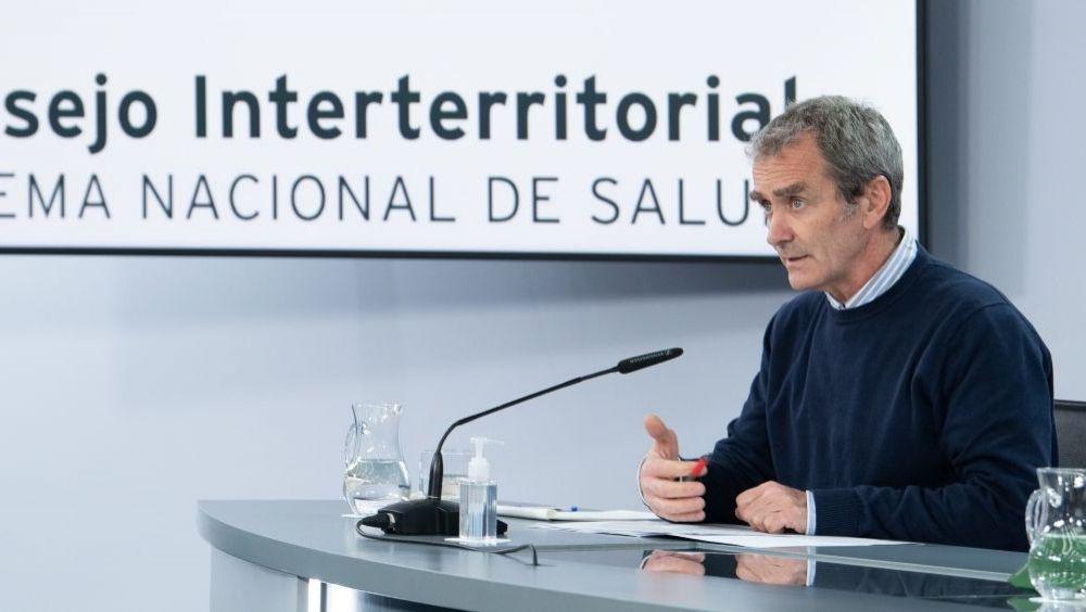 El director del CCAES, Fernando Simón, durante una rueda de prensa (Foto: Pool Moncloa / Borja Puig de la Bellacasa)