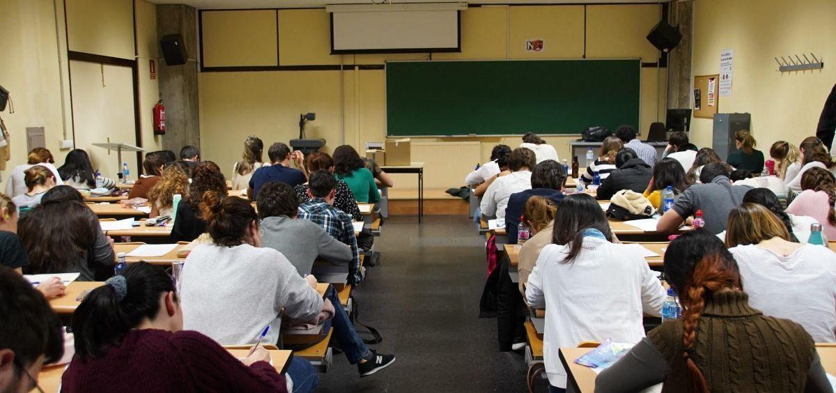 Opositores MIR realizando el examen. (Foto. Eduardo Albarrán   AMIR)