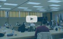 Aspirantes al MIR esperan el comienzo del examen (Imagen y vídeo: Miguel Ángel Escobar)