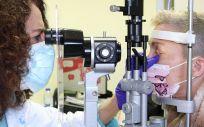 Paciente en la consulta de oftalmología (Foto. HUT)