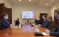 Reunión de Ximo Puig y Barceló con representantes de Janssen. (Foto. Europa Press)