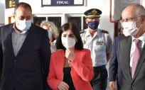 La ministra de Sanidad, Carolina Darias, durante la repción de vacunas en Gran Canaria (Foto: Delegación del Gobierno)