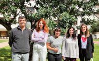 De derecha a izquierda,  Esther Castillo, Marta Pérez, Clara Bueno, Júlia Alcaide y Juan Nácher (Foto. Incliva)