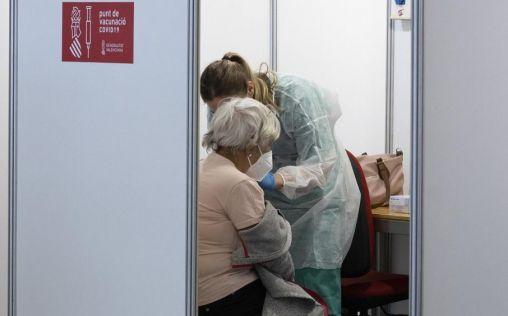 """Vergeles recuerda que la eficacia de las vacunas pasa por administrar dosis """"en un intervalo"""""""