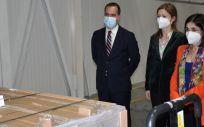 Darias recibe las primeras 146.000 dosis de Janssen (Foto. Ministerio de Sanidad)