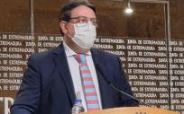 El consejero de Sanidad, José María Vergeles, en rueda de prensa (Foto. JUNTA DE EXTREMADURA)
