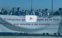 Momento de la protesta frente al Hospital de la Ribera