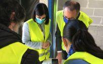 La ministra de Sanidad, @CarolinaDarias y el consejero de Salud, Pablo Fernández Muñiz, recepciona