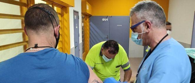 Campaña de MurciaSalud para vacunar a los más de 1.000 internos de los dos centros penitenciarios y el CIS de Murcia. (Foto. @IIPPGob)