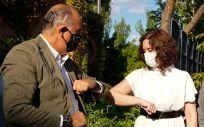 Antonio Zapatero, junto a Isabel Díaz Ayuso (Foto: CAM)